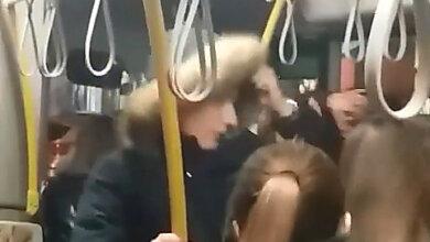 Photo of Хулиганы в Николаеве избили пассажира автобуса, который сделал им замечание (видео)