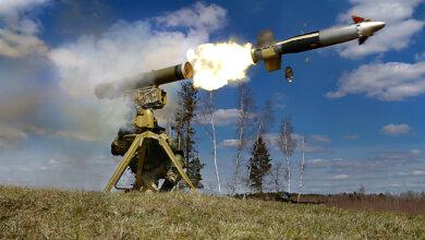 Photo of Террористы подбили ракетой грузовик украинской армии – двое бойцов ранены