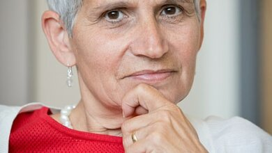 Все началось с сухого кашля, - выздоровевшая от COVID-19 врач описала симптомы болезни | Корабелов.ИНФО