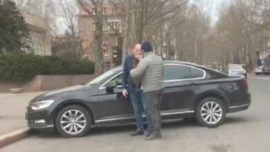 Депутат Николаевского облсовета разбил губу своему коллеге   Корабелов.ИНФО