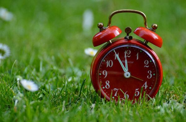Не забудьте ночью перевести часы на летнее время   Корабелов.ИНФО
