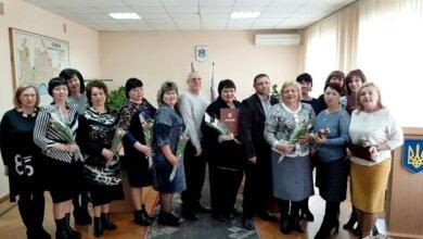 """Iнкогніто: """"13 найкращих жінок району"""" нагородила перед 8 березня адміністрація Корабельного району   Корабелов.ИНФО image 3"""