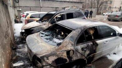 Photo of Пожар на автостоянке в Николаеве повредил четыре автомобиля