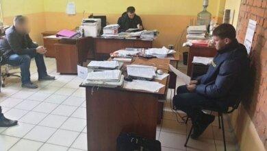 Photo of В Николаеве проводят сразу 24 обыска по делу о краже денег на ремонте и строительства дорог