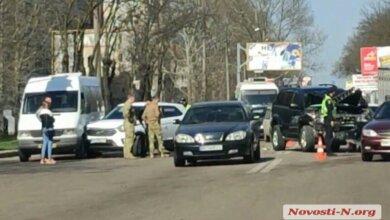 На проспекте Богоявленском столкнулись 4 автомобиля: есть пострадавшие (Видео) | Корабелов.ИНФО