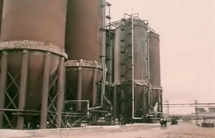 """кадр из фильма """"Штормовое предупреждение"""" (1988 г.), НГЗ"""