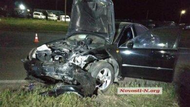 Под Николаевом пьяный водитель на «Тойоте» протаранил «Мицубиси»: пострадала беременная женщина   Корабелов.ИНФО image 1