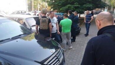 Photo of Вымогал деньги у бизнесмена: в Николаеве на взятке задержали оперуполномоченного СБУ