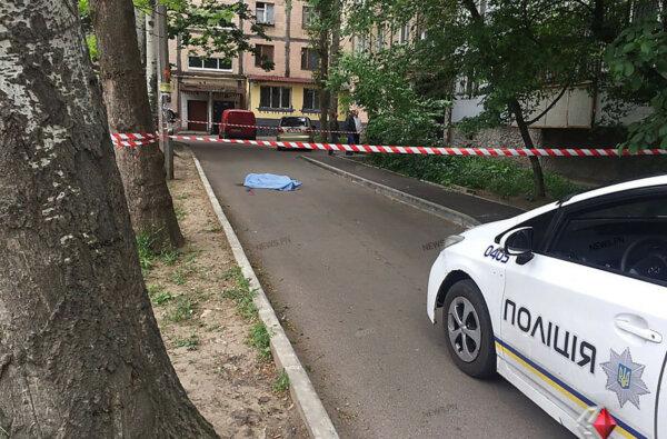 Мужчина покончил с собой, спрыгнув с балкона восьмого этажа в Николаеве | Корабелов.ИНФО