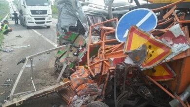 На Николаевщине под колесами «Фольксвагена» погиб работник дорожной службы | Корабелов.ИНФО