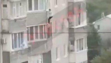 Photo of В Одессе женщина, испугавшись дыма, выпрыгнула с 9-го этажа и погибла