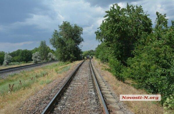 Пенсионер, которому поездом отрезало ступню, полчаса ожидал помощи - никто не останавливался   Корабелов.ИНФО