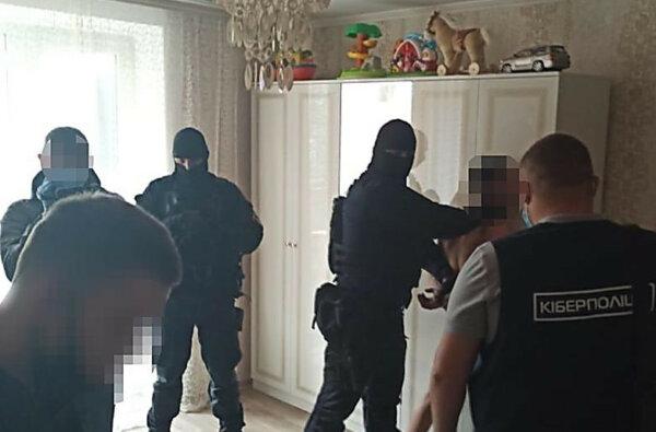 Полиция Корабельного райотдела задержала семейную пару интернет-мошенников | Корабелов.ИНФО image 3
