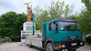 Замість зруйнованого торік: в с. Галицинове встановлено новий пам'ятник воїнам-односельцям | Корабелов.ИНФО image 1