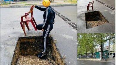 Photo of В Корабельном районе жители пожаловались на глубокую яму посреди дороги, оставленную работниками