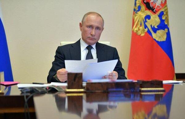 Путин в 2020 году не поздравил Зеленского с Днем Победы | Корабелов.ИНФО