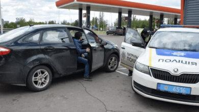 Photo of Перелом: автомобиль в Николаеве наехал на ногу работника АЗС