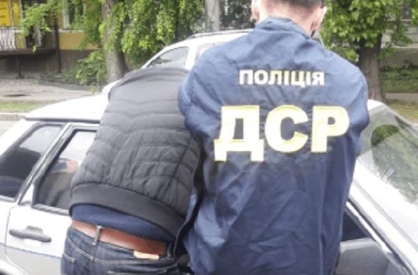 Не впервые: в Николаеве на взятке задержали сотрудника мэрии из Департамента ЖКХ   Корабелов.ИНФО
