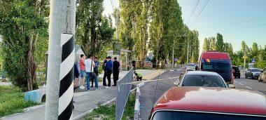 Стрельба на остановке в Николаеве: ранены два человека   Корабелов.ИНФО image 1