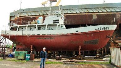 Photo of «Пришло время помочь родному университету»: предприятие выпускника НУК ремонтирует судно ВУЗа