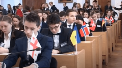 Дитяча дипломатія, модель ООН та інше: звіт директора школи в Корабельному районі за рік (Відео)   Корабелов.ИНФО image 1