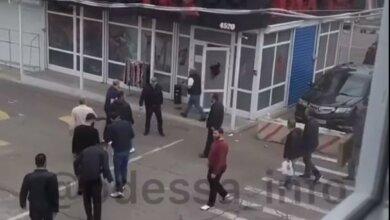 Photo of В Одессе произошла массовая драка со стрельбой, есть раненые (видео)