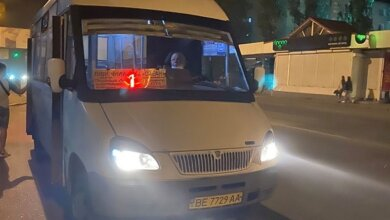 "Photo of ""Хамит, хватает за руки"", - жительница Николаева пожаловалась на водителя ""маршрутки"" №1"