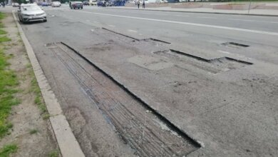 Photo of Дорожное покрытие перед Николаевской мэрией ремонтируют несколько раз в год, - Сенкевич