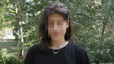 Photo of 15-летние девочки извинились за инцидент у Вечного огня (видео)