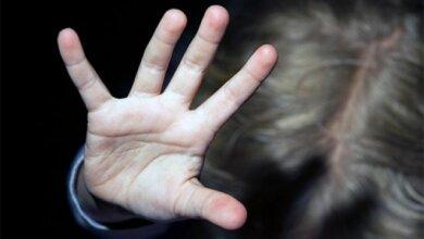 """Photo of """"Не для похоти, а """"просто психанул"""": суд в России оправдал отца, изнасиловавшего свою дочь"""