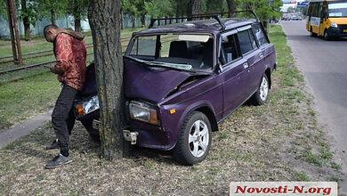 На проспекте Богоявленском пьяный водитель «Жигулей» въехал в дерево | Корабелов.ИНФО image 2