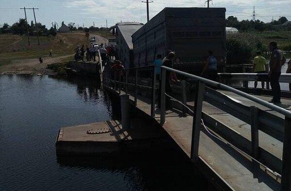 В Витовском районе под фурой снова обвалился мост | Корабелов.ИНФО image 2