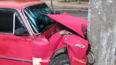 Photo of Обвиняемый в тройном убийстве, будучи пьяным за рулем, врезался в столб в Корабельном районе