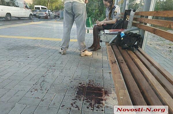 Стрельба на остановке в Николаеве: ранены два человека   Корабелов.ИНФО image 3