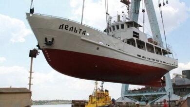 Photo of «Вложили душу»: в Николаеве спустили на воду отремонтированное судно НУК (Видео)