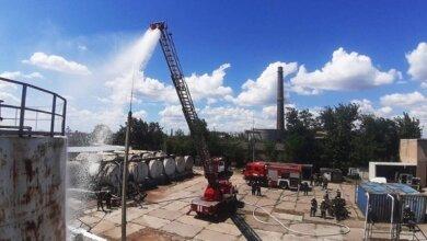 Спасатели в Корабельном районе тренировались тушить пожар на складе нефтепродуктов | Корабелов.ИНФО image 4