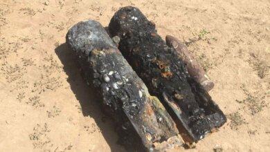 На Кинбурнской косе женщина во время купания в море нашла две бомбы   Корабелов.ИНФО