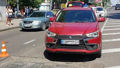 На проспекте Богоявленском из-за ямы на дороге столкнулись два автомобиля - пострадала пассажирка | Корабелов.ИНФО image 2