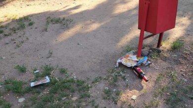 """Photo of """"Из детской площадки - поле алкогольной битвы"""": жители Корабельного винят молодежь в беспорядках"""
