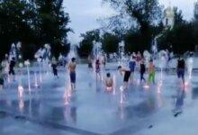 Photo of После купания у детей была рвота, — николаевцы винят воду в фонтанах на Соборной площади