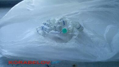В подъезде дома в Корабельном районе нашли более десятка пустых ампул димедрола   Корабелов.ИНФО