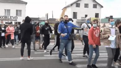 Photo of В Коблево предприниматели перекрыли трассу, требуя разрешить им работать ночью (Видео)