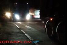 """Photo of Люди в отчаянии: """"фуры"""" в Корабельном заблокировали и улицы, и проспект (Видео)"""