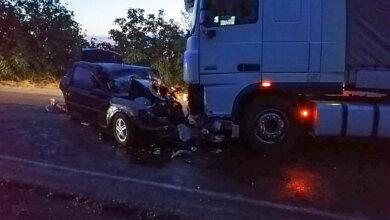 На Николаевщине столкнулись Оpel и фура – два человека погибли, еще двое пострадали   Корабелов.ИНФО
