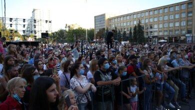 Photo of Николаевцы на Соборной площади отпраздновали День молодежи