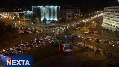 Photo of После выборов в Беларуси массовые протесты: люди нападают на ОМОН. Видео