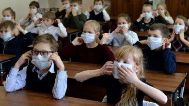 Photo of Уже 21 класс и 3 группы в школах Корабельного — на самоизоляции