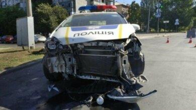 В Николаеве автомобиль патрульной полиции врезался в «Сеат»   Корабелов.ИНФО