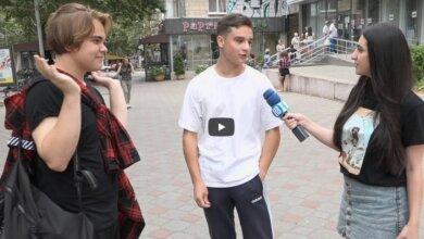 Николаевцы поделились мнением о праздновании Дня Независимости Украины (видео) | Корабелов.ИНФО