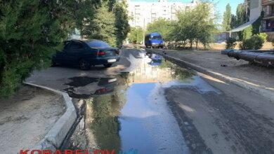 течет канализация по улицам Корабельного района